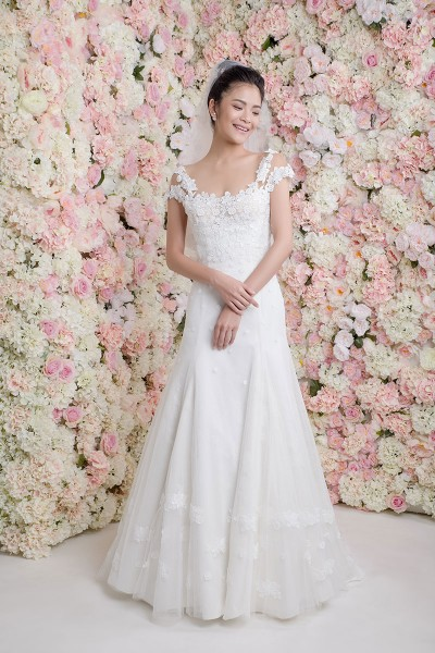 espace-mariage-chemille-robes-mariee-cymbeline-dolly-1.jpg